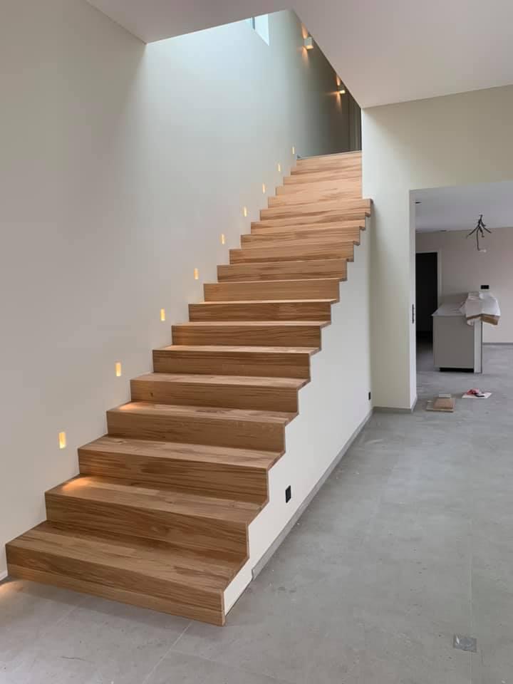 Marche d'escalier en chêne