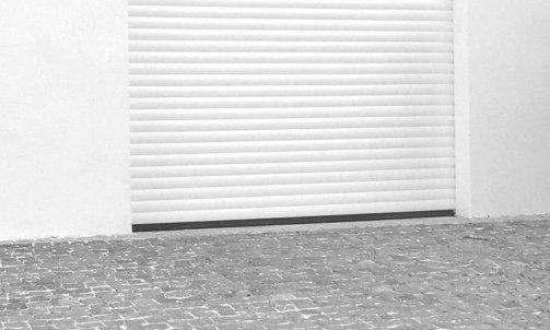 Porte de garage en aluminium au Muy
